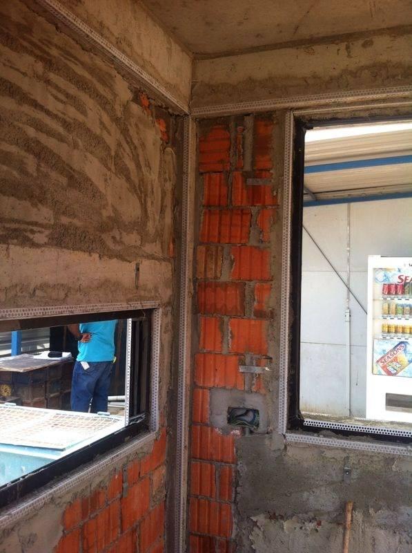 Nẹp Góc CRV - Hình Ảnh Thi Công Vị Trí Góc Tường