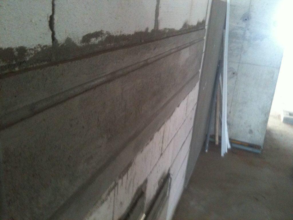 Thi công bằng phương pháp thủ công, không sử dụng chỉ âm tường
